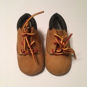 💎Baby/Infant Tan Timberland boots size 2